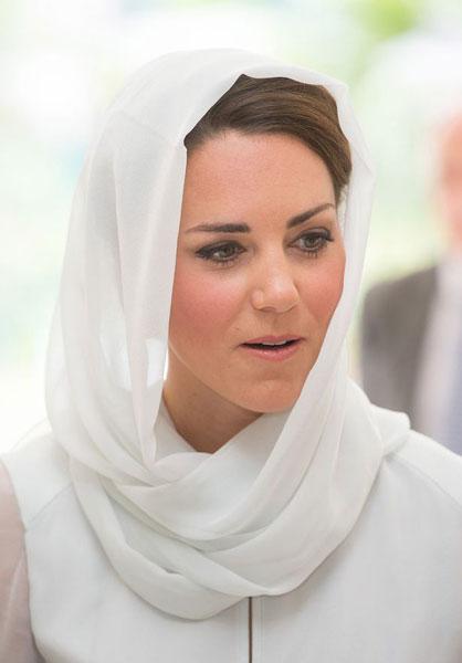PHOTO: Kate Middleton saddened over topless photos in Closer magazine